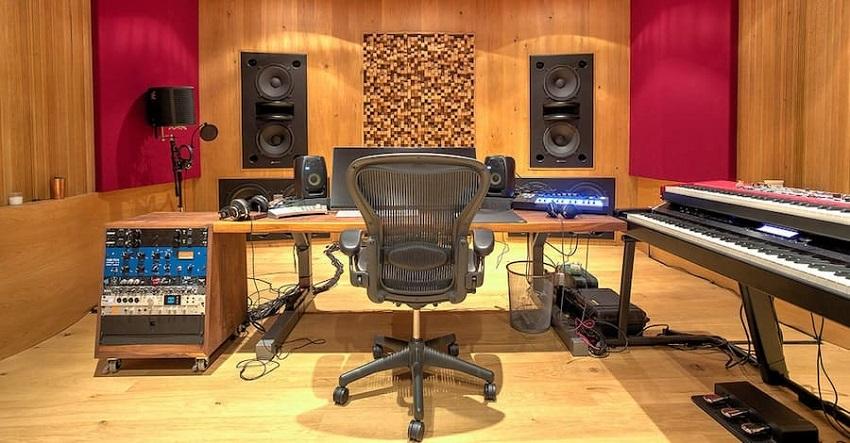 stylish little home studio